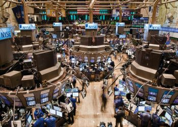 Trading floor of NYSE - norvanreports Stock futures higher after Dow, S&P post five straight days of losses Stock futures higher after Dow, S&P post five straight days of losses Trading floor of NYSE norvanreports 350x250