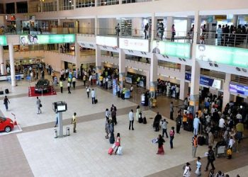 Hong Kong eases entry rules for vaccinated residents, tourists Hong Kong eases entry rules for vaccinated residents, tourists Airport 2 350x250