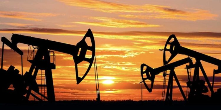 Oil prices slide on worries over China economy and higher crude output Oil prices slide on worries over China economy and higher crude output Crude Oil 1