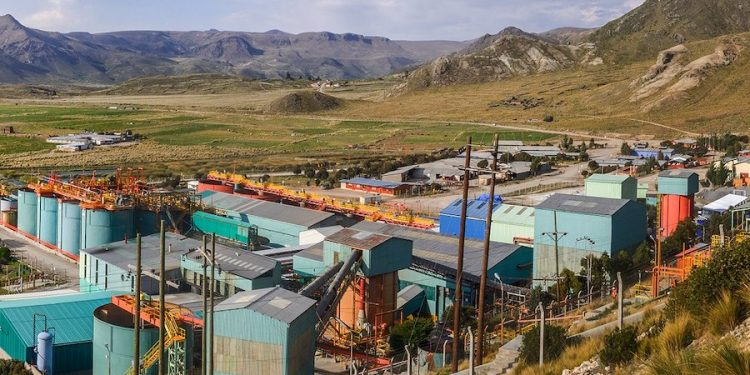 Peruvian mining sector to pay record $3 billion in taxes in 2021, says industry group Peruvian mining sector to pay record $3 billion in taxes in 2021, says industry group xperfil corporativo