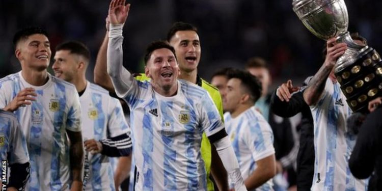 Messi overtakes Pele as leading South American men's goalscorer Messi overtakes Pele as leading South American men's goalscorer 120489791 gettyimages 1235152031 750x375