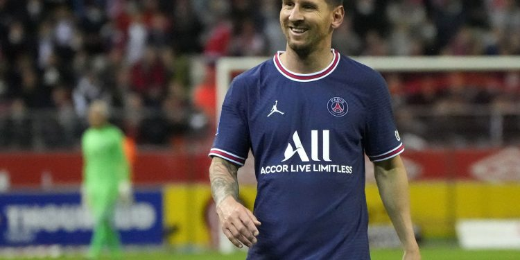 Messi makes PSG debut off bench in Ligue 1 game, Mbappé shines Messi makes PSG debut off bench in Ligue 1 game, Mbappé shines BK55OM7L6ND33HCBWDQRKTHBRA 750x375