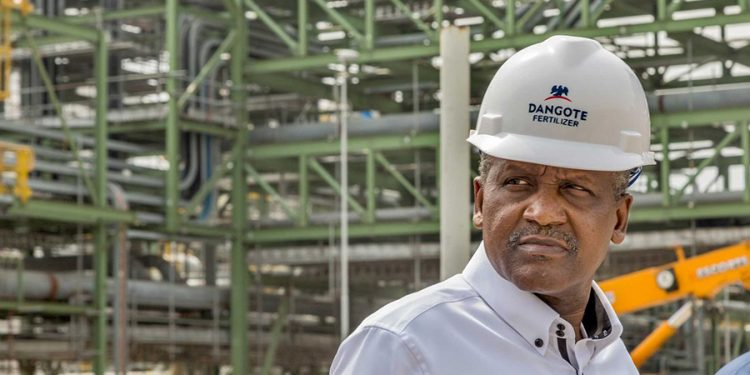 Dangote Refinery will save forex, stabilize the naira – Dangote, Emefiele Dangote Refinery will save forex, stabilize the naira – Dangote, Emefiele Dangote refinery 750x375