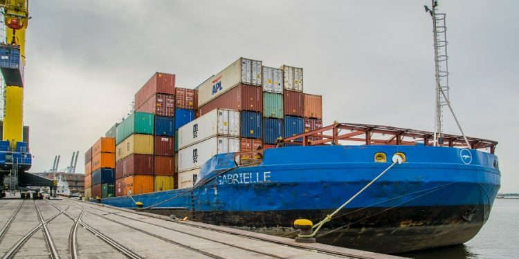 Nigeria's international trade deficit hits N5.81 trillion in H1 2021 Nigeria's international trade deficit hits N5.81 trillion in H1 2021 Trade Shipping 750x375