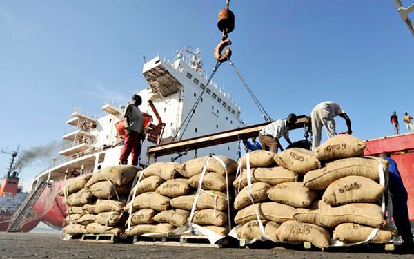 Ghana Shippers Authority up freight charges on cocoa shipment by 5% Ghana Shippers Authority up freight charges on cocoa shipment by 5% global ghan news 600x375
