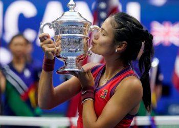 US Open 2021: Emma Raducanu beats Leylah Fernandez to win women's singles title in New York US Open 2021: Emma Raducanu beats Leylah Fernandez to win women's singles title in New York skysports emma raducanu us 5509674 350x250